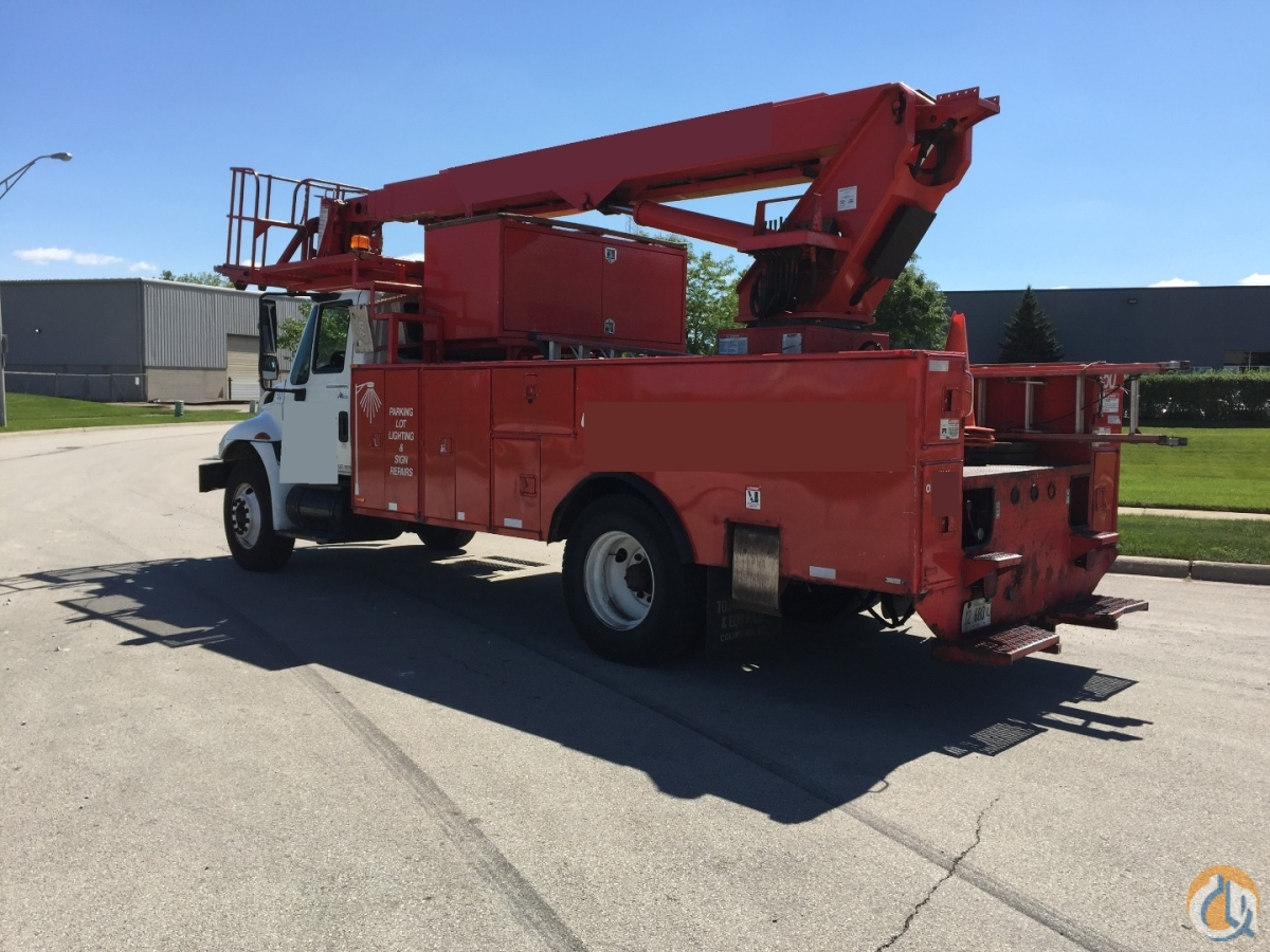 Elliott L55R 2007 International 4300 Crane for Sale in Hodgkins Illinois on CraneNetwork.com