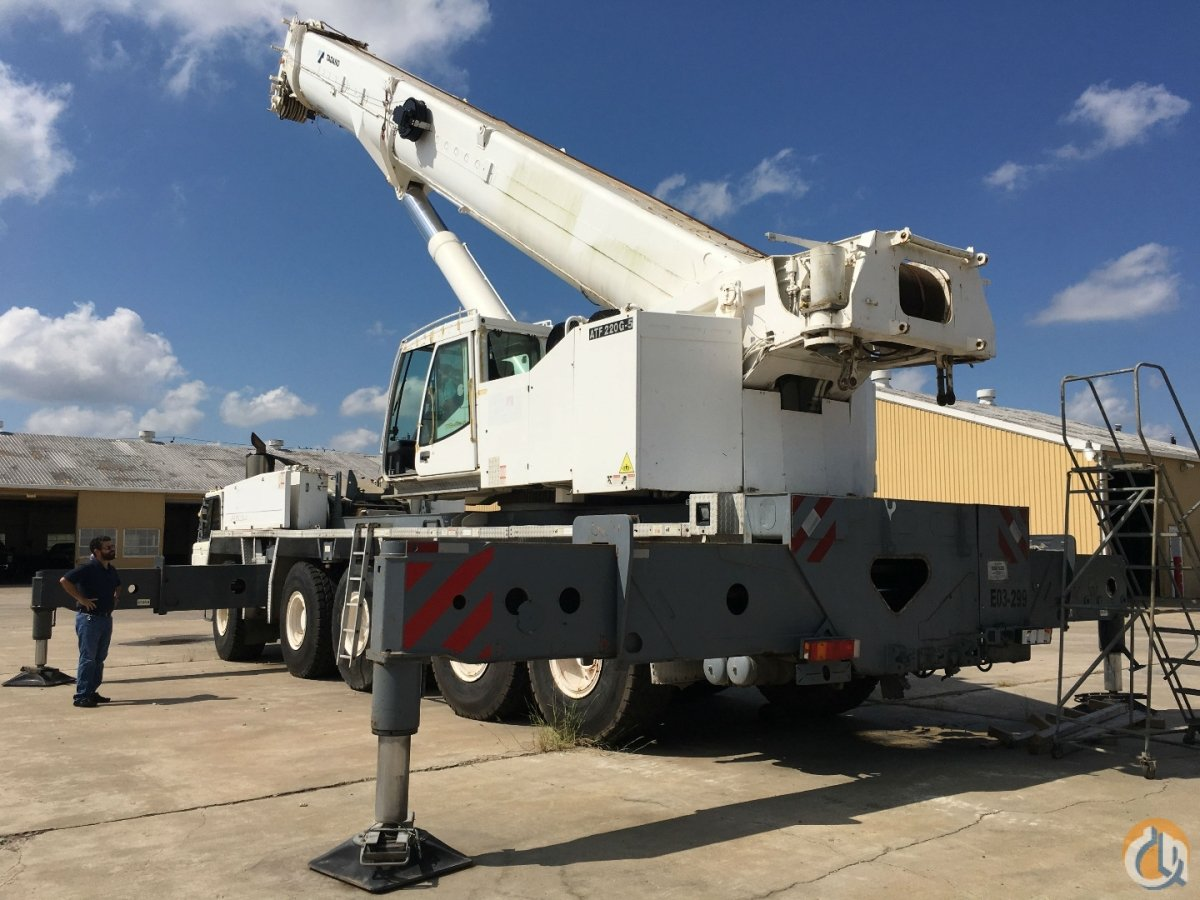 2007 TADANO ATF220G-5 ALL TERRAIN CRANE WITH DAMAGED CAB Crane for Sale in Houston Texas on CraneNetwork.com