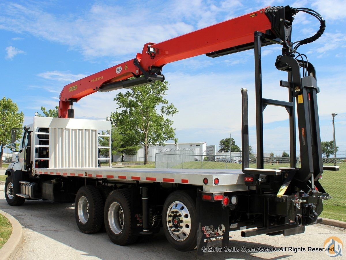 Sold Palfinger PW 42001-SH wallboard crane mounted to new 2016 Freightliner 114SD chassis Crane for  in Olathe Kansas on CraneNetwork.com