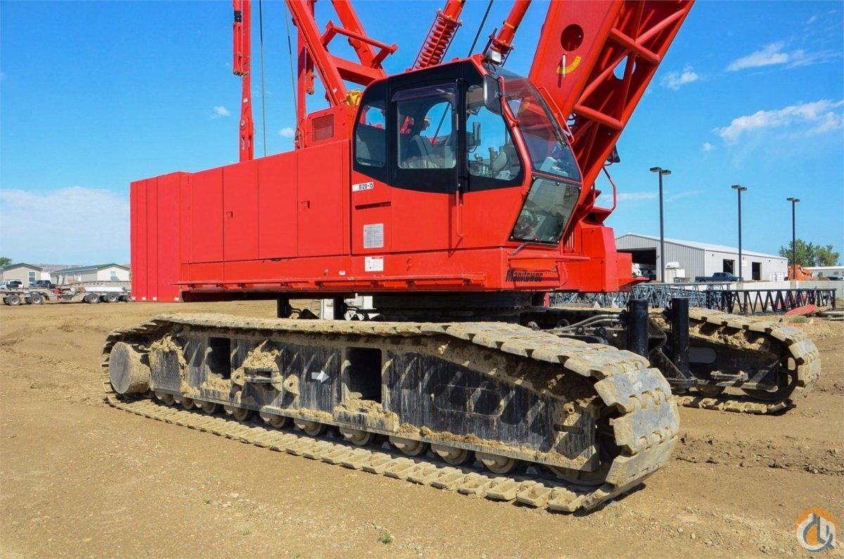 MANITOWOC 12000 120 TON CRAWLER CRANE WITH FREE FALL ON BOTH DRUMS