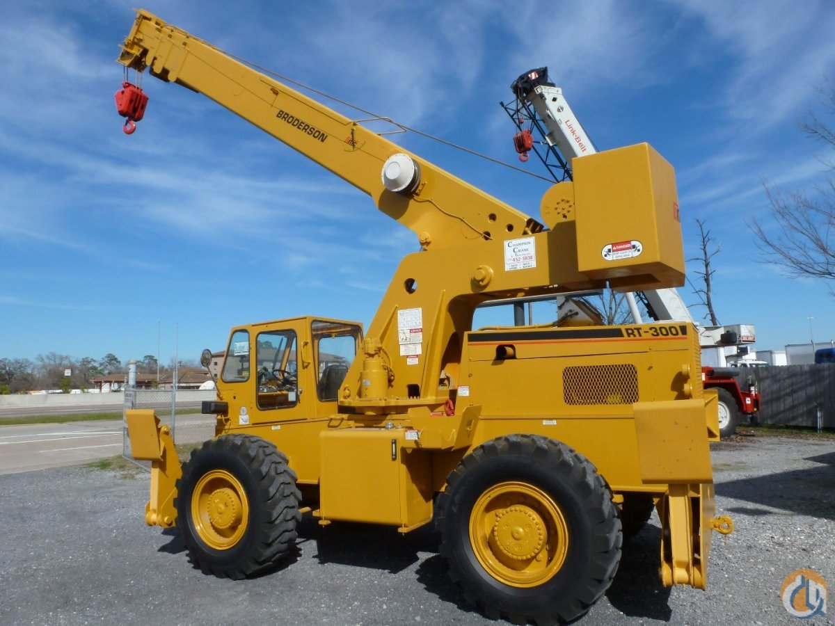 Low Hour Tight Crane Ready To Work Crane for Sale in Houston Texas on CraneNetwork.com