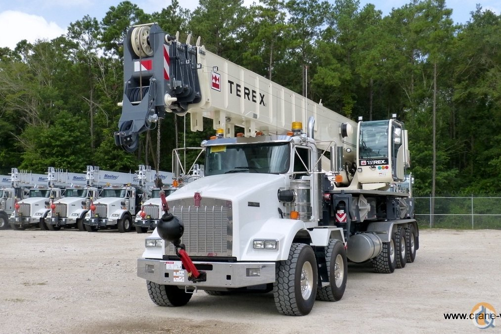New Terex Crossover 8000 boom truck mounted to 2019 Kenworth T800