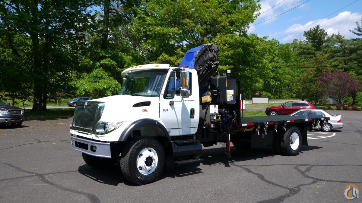 9105 - 2006 INTERNATIONAL 7600 2005 PM 27006S KNUCKLEBOOM 12.5 TON Crane for Sale in Hatfield Pennsylvania on CraneNetwork.com
