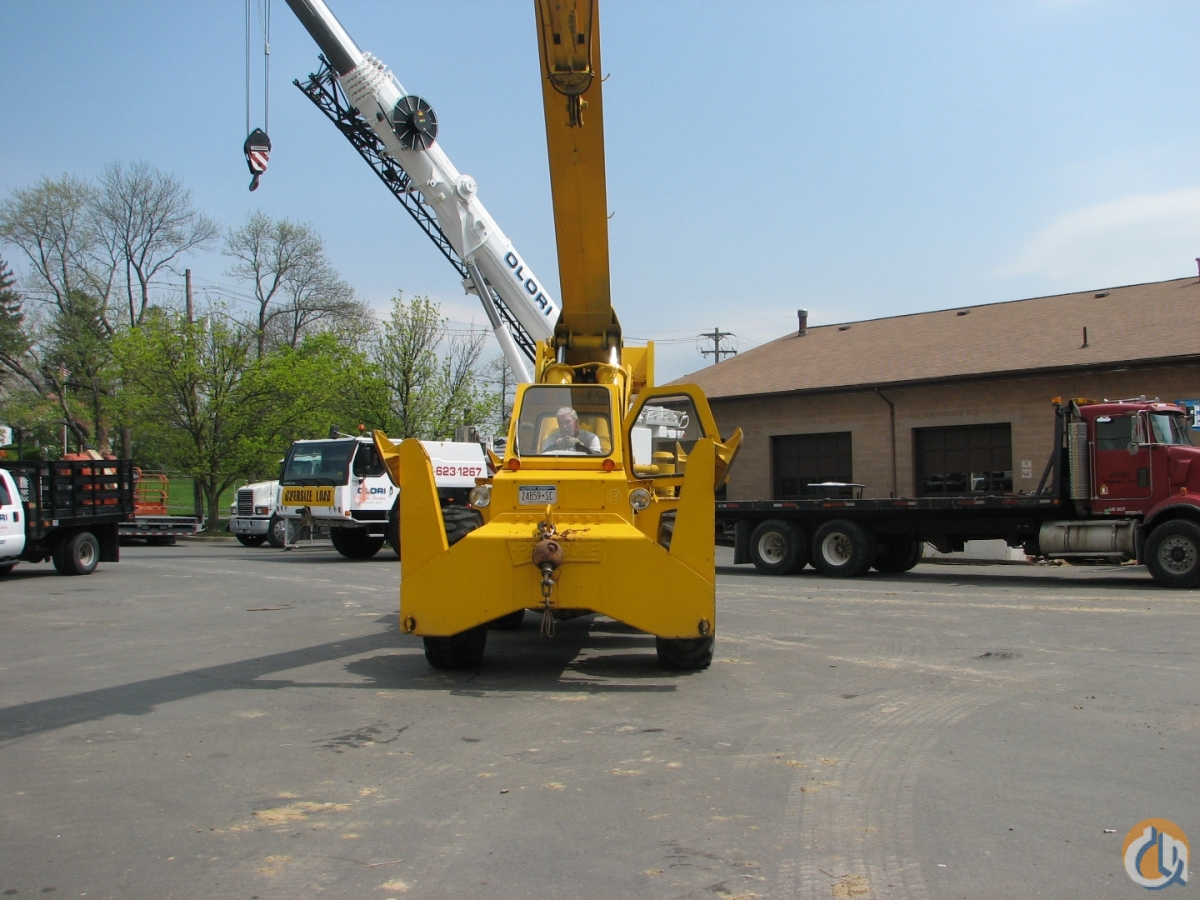 1980 Pettibone 36MKP Crane for Sale in New York New York on CraneNetwork.com