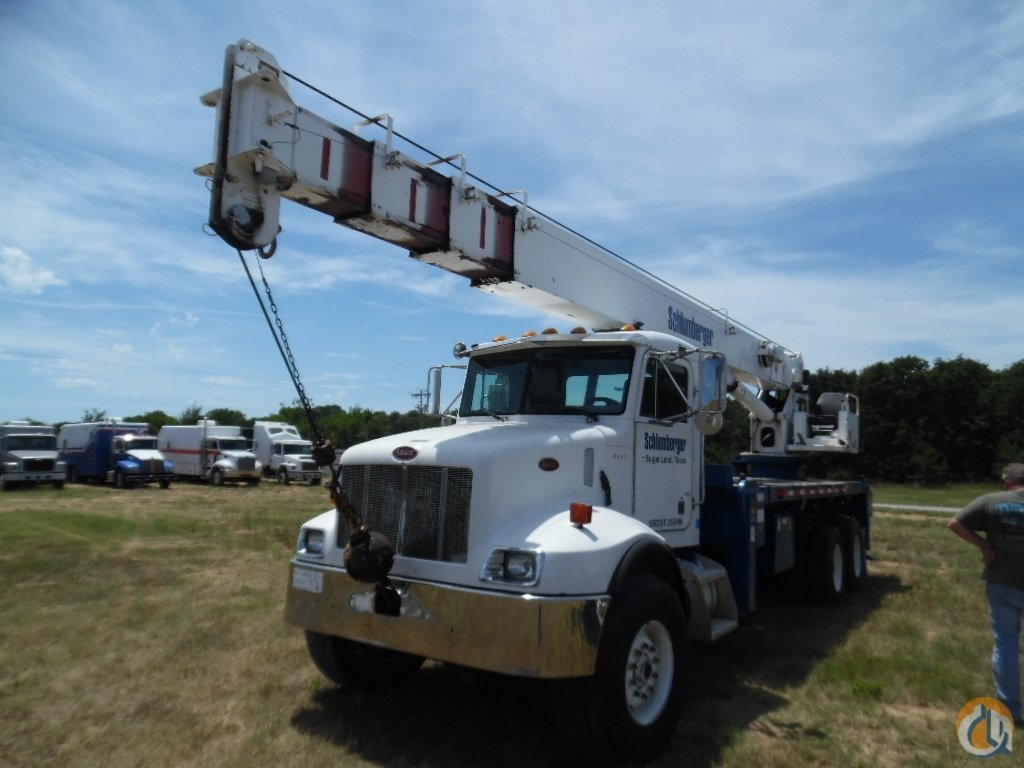 2001 Manitowoc 2892 swing seat Crane for Sale in Lone Grove Oklahoma on CraneNetwork.com
