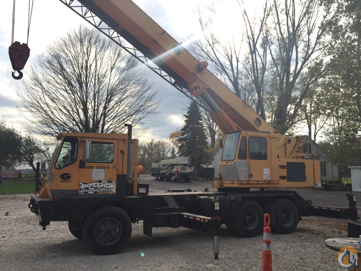 1986 GROVE 528B Crane for Sale in Fishers Indiana on CraneNetwork.com