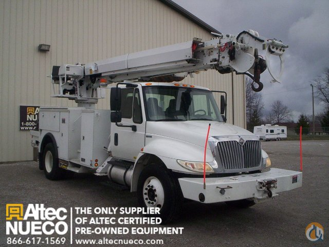 2009 ALTEC DC47-TR Crane for Sale in Fort Wayne Indiana on CraneNetwork.com