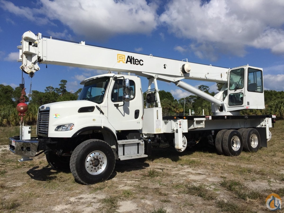 2013 FREIGHTLINER 6X6 ALTEC AC30-103 30 ton 103 46 Crane for Sale in Fort Pierce Florida on CraneNetwork.com