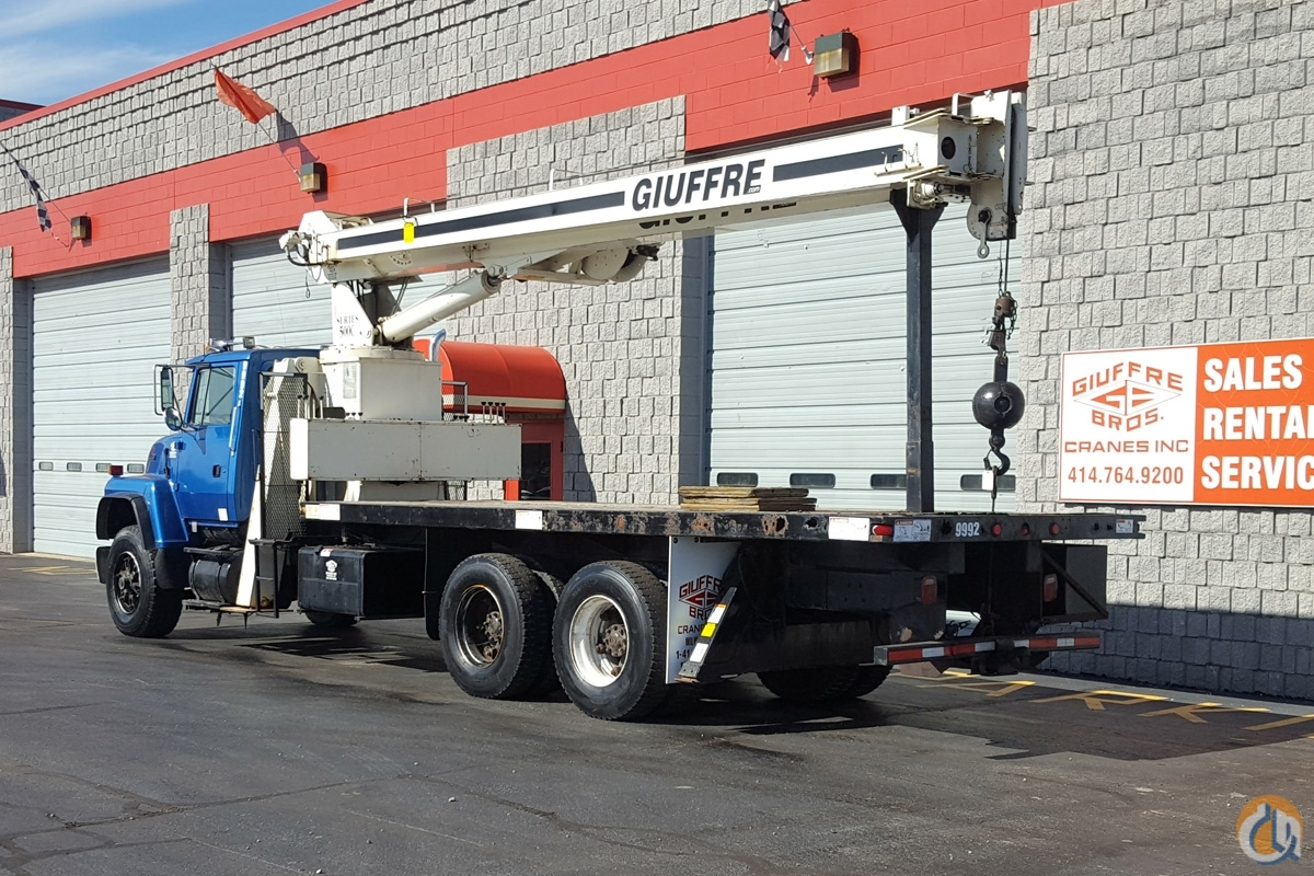 USED 15 TON NATIONAL ON FORD TRUCK Crane for Sale in Milwaukee Wisconsin on CraneNetwork.com