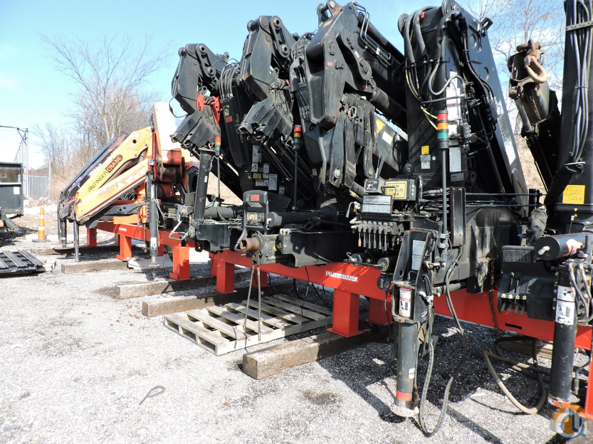 Hiab 300-OS4  Jib 90-2 Crane for Sale in Hodgkins Illinois on CraneNetwork.com