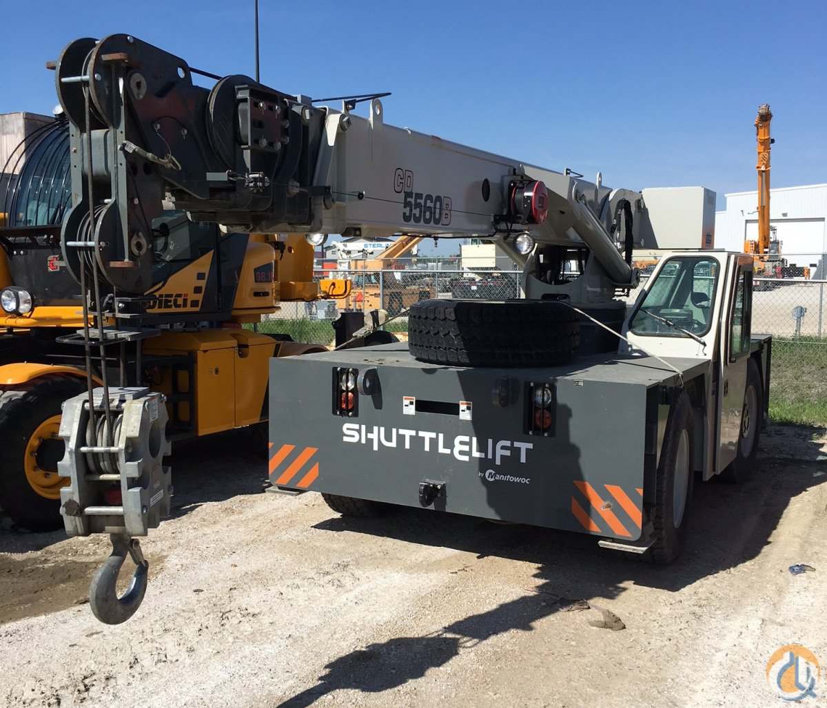 LIKE-NEW LOW HOURS 2012 SHUTTLELIFT CD5560B Crane for Sale in Winnipeg Manitoba on CraneNetwork.com