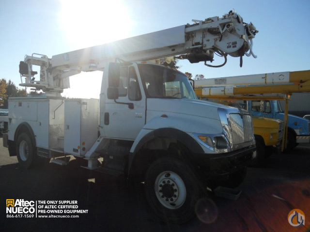 2006 ALTEC DM47-TR Crane for Sale in Dixon California on CraneNetworkcom