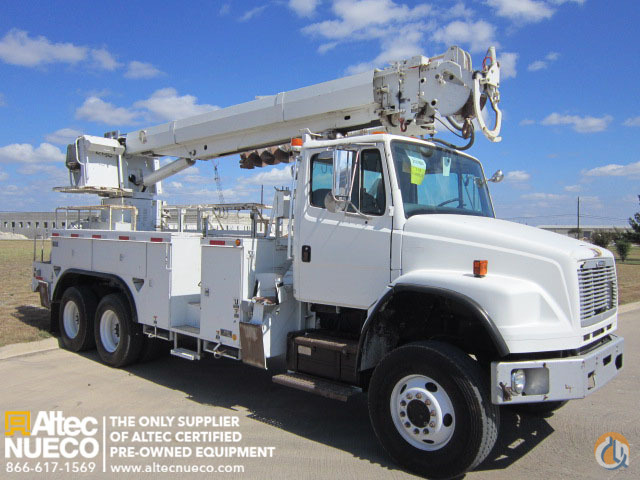 2003 ALTEC D3050-TR Crane for Sale in Calera Alabama on CraneNetwork.com
