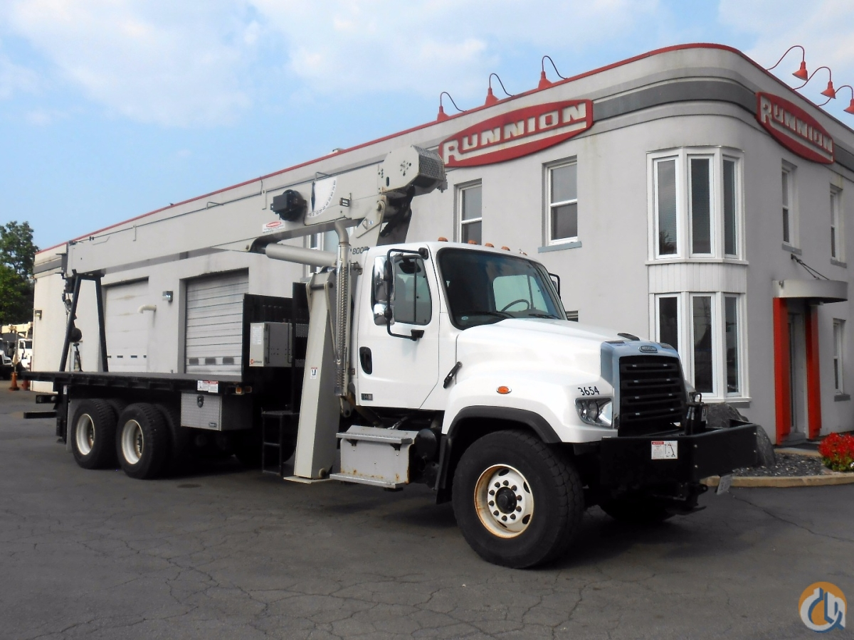 23T National 8100D on 2014 Freightliner 114SD Crane for Sale in Lyons Illinois on CraneNetwork.com