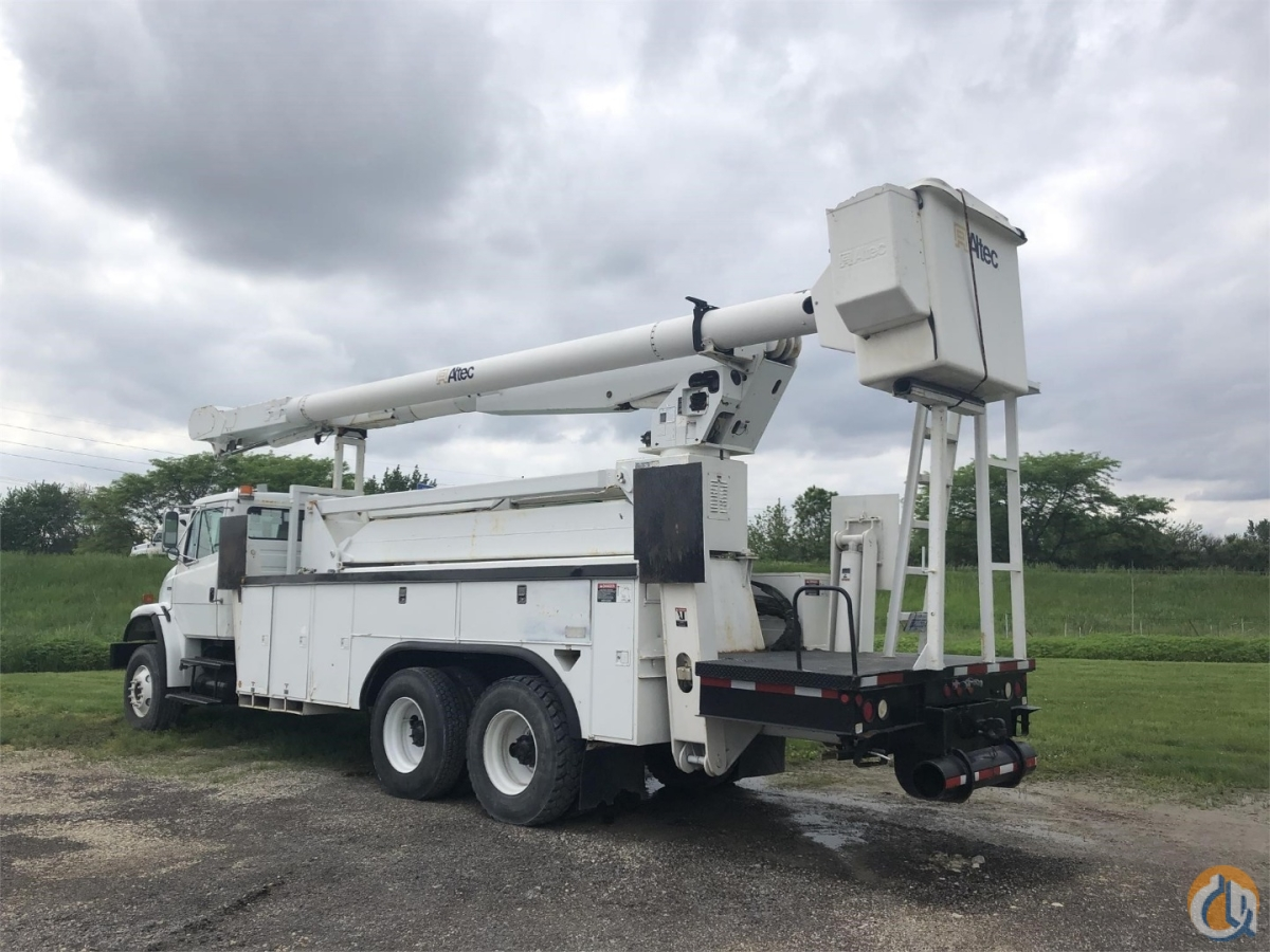 Sold 2004 ALTEC AM900-E100 Crane for  in LaSalle Illinois on CraneNetwork.com