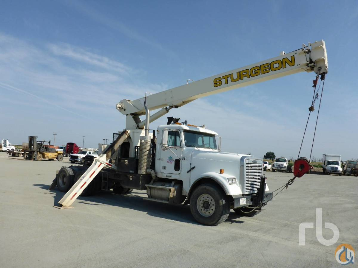 Sold 2001 FREIGHTLINER FLD120SD Classic wNational 681C 17 Ton Boom Truck Crane for  in Tipton California on CraneNetworkcom