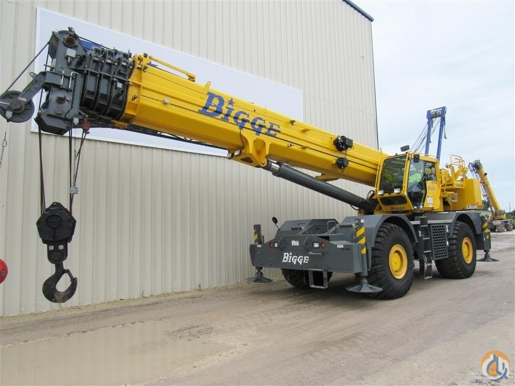 2013 GROVE RT890E Crane for Sale in Houston Texas on CraneNetwork.com