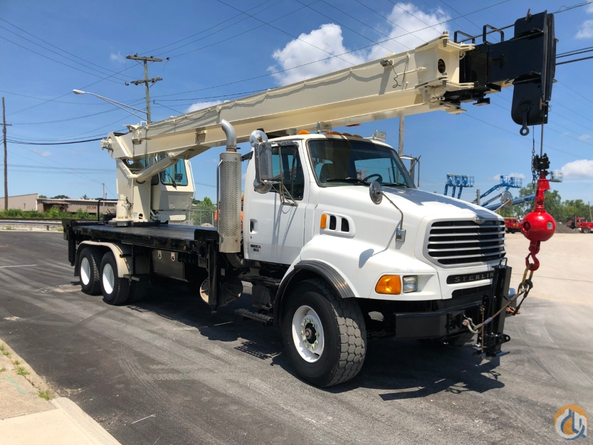 2004 National 13105 Crane for Sale in Richfield Ohio on CraneNetwork.com