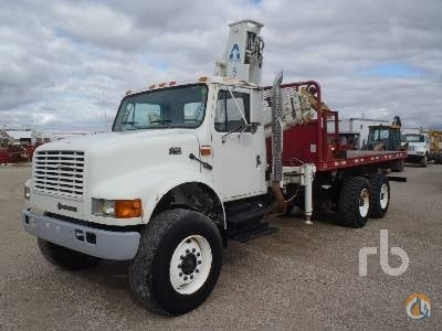 2000 INTERNATIONAL 4900 Crane for Sale in Morris Illinois on CraneNetwork.com