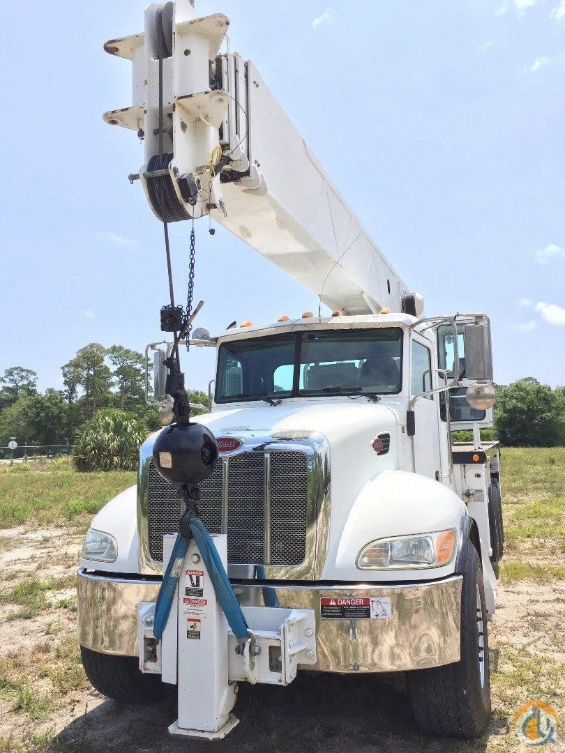 2007 ALTEC 38 ton AC38127S  PETERBILT AIR LIFT AXLE Crane for Sale in Fort Pierce Florida on CraneNetwork.com