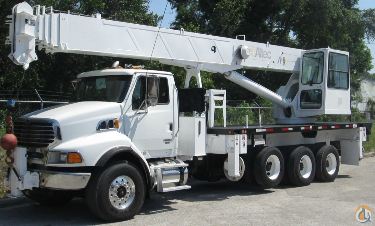 2006 Altec 38127S on a Sterling LT9500 Crane for Sale in Tampa Florida on CraneNetwork.com