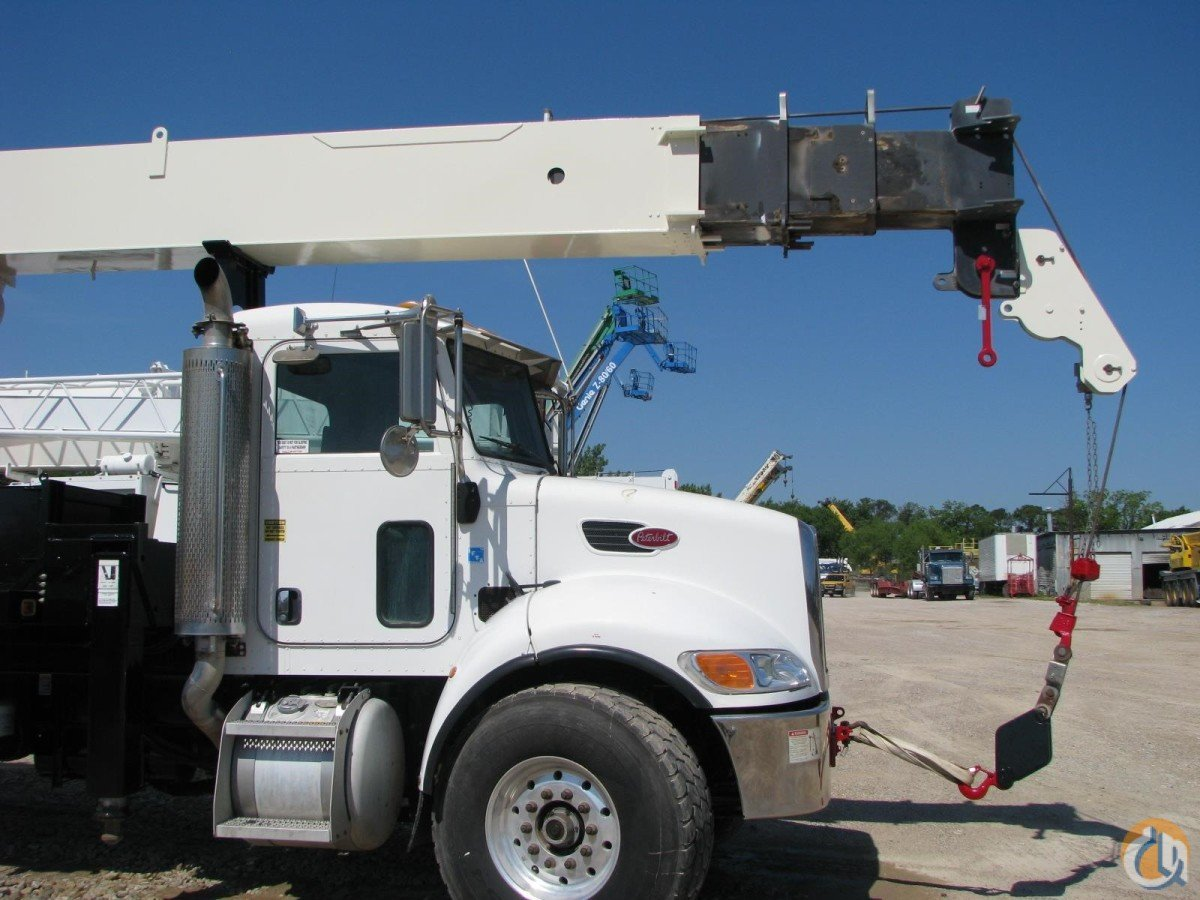 2005 NATIONAL 900A Crane for Sale in Lewisville Texas on CraneNetwork.com
