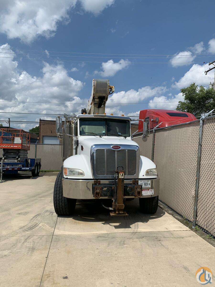 2006 Peterbilt 335 with National 1100 Crane for Sale in Schaumburg Illinois on CraneNetwork.com