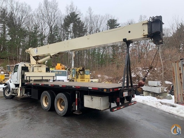 Sold 2005 National 900A Crane for  in Billerica Massachusetts on CraneNetwork.com