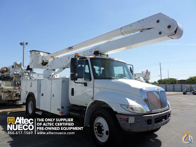 Sold 2005 ALTEC AA600-P Crane for in Calera Alabama on CraneNetwork com