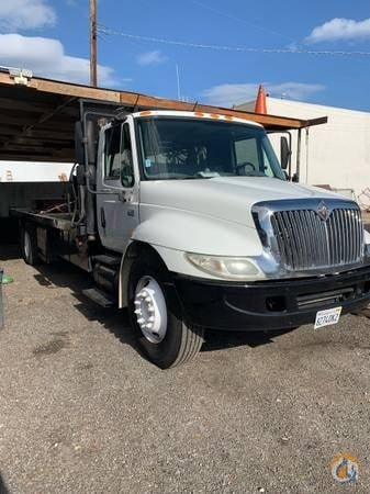 2007 international 4300 flatbed with liftgate counter weight rigging truck Crane for Sale in Los Angeles California on CraneNetwork.com