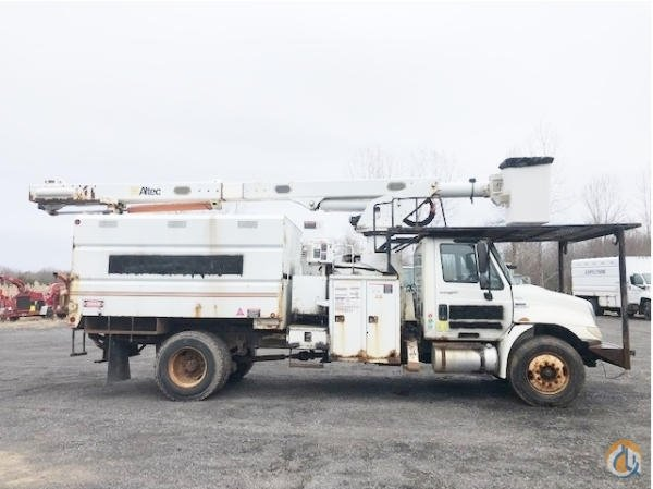 2009 INTERNATIONAL 4300 ELEVATOR Crane for Sale in Syracuse New York on CraneNetwork.com