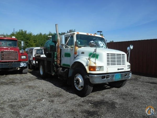 1999 INTERNATIONAL 4700 Crane For Sale In HOFFMAN EST