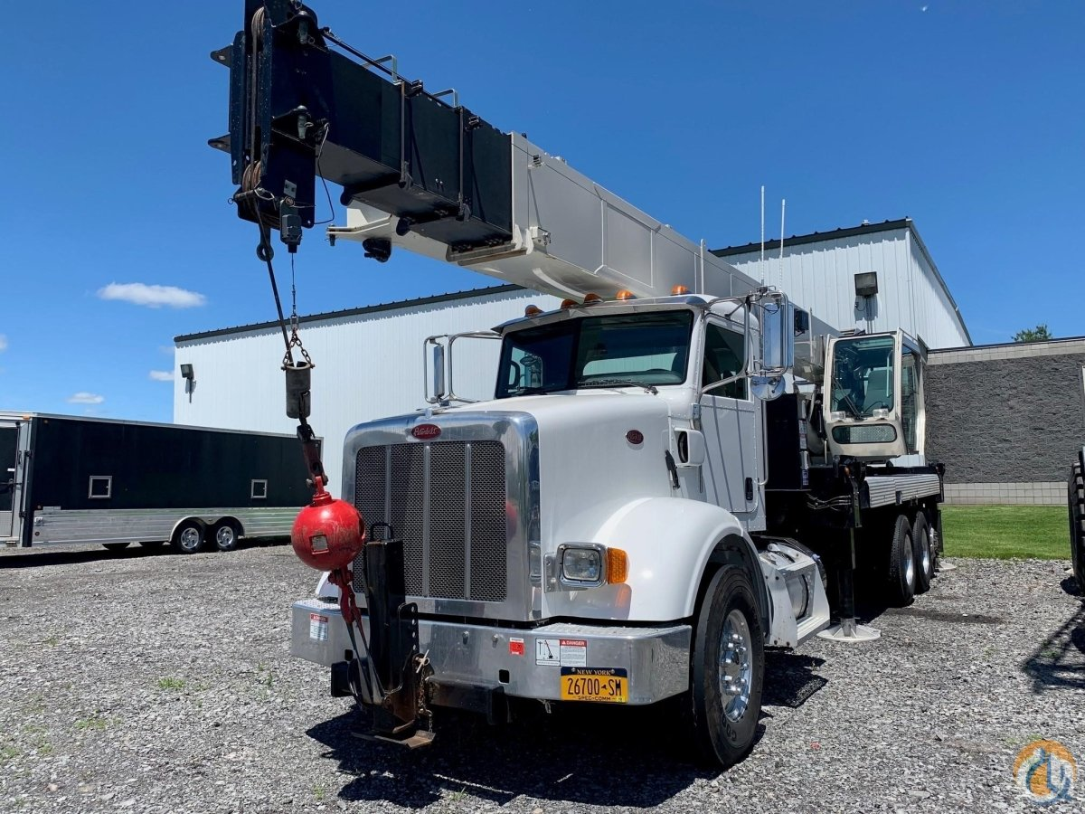 2014 NATIONAL NBT40 Crane for Sale in North Syracuse New York on CraneNetwork.com