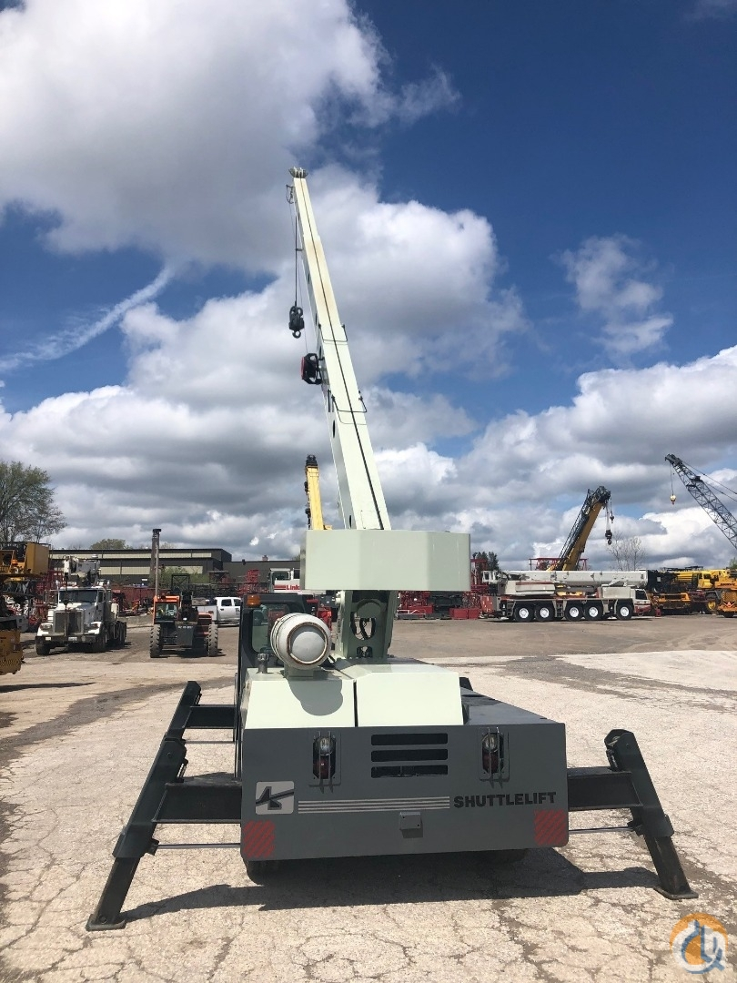 2007 Shuttlelift 3340B 10.5 ton carry deck crane Crane for Sale in Solon Ohio on CraneNetwork.com