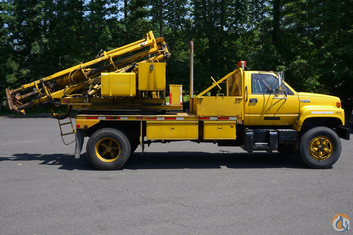 8911 - 1991 GMC TOPKICK STERLING SCPD GUARDRAIL POUNDERPULLER   Service  Utility Trucks STERLING SCPD Opdyke Inc. 22124 on CraneNetwork.com