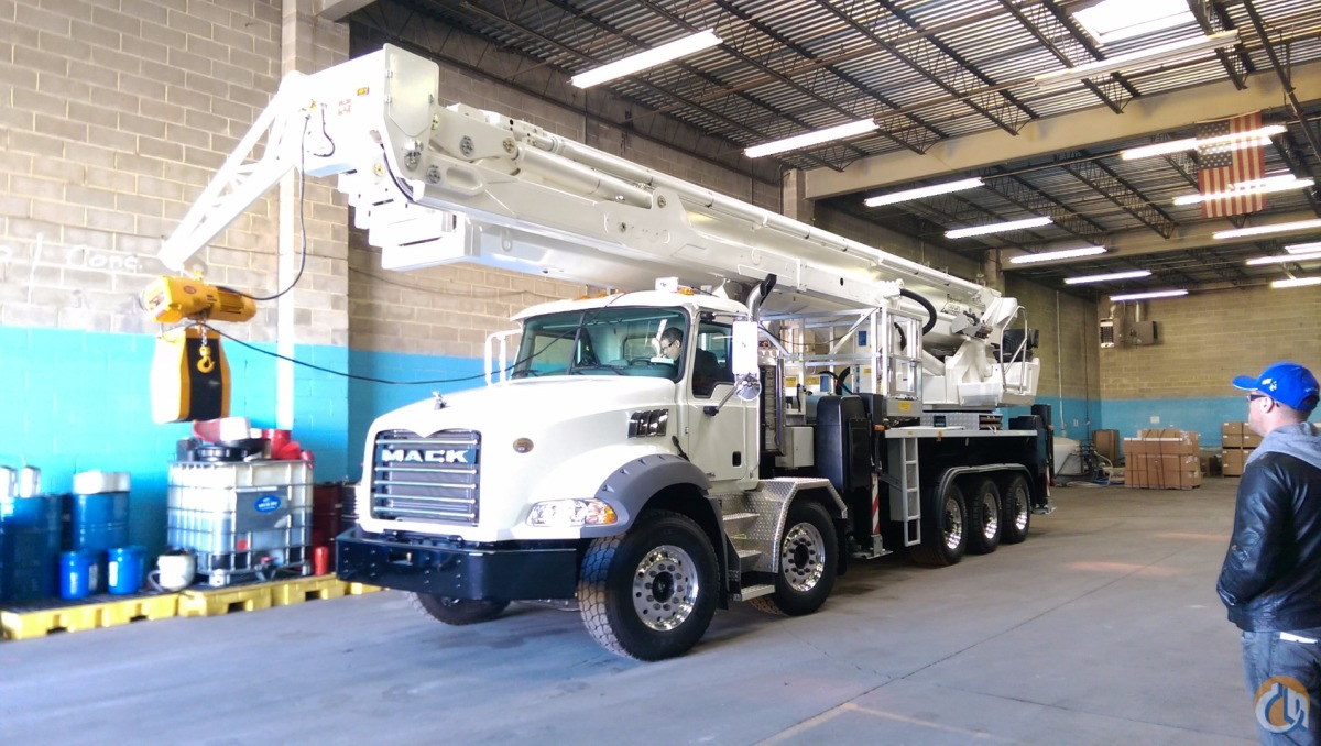 230 Bronto Skylift Bucket BRONTO Bronto 230 XDT Up amp Down Lifting Solutions 208 on CraneNetworkcom
