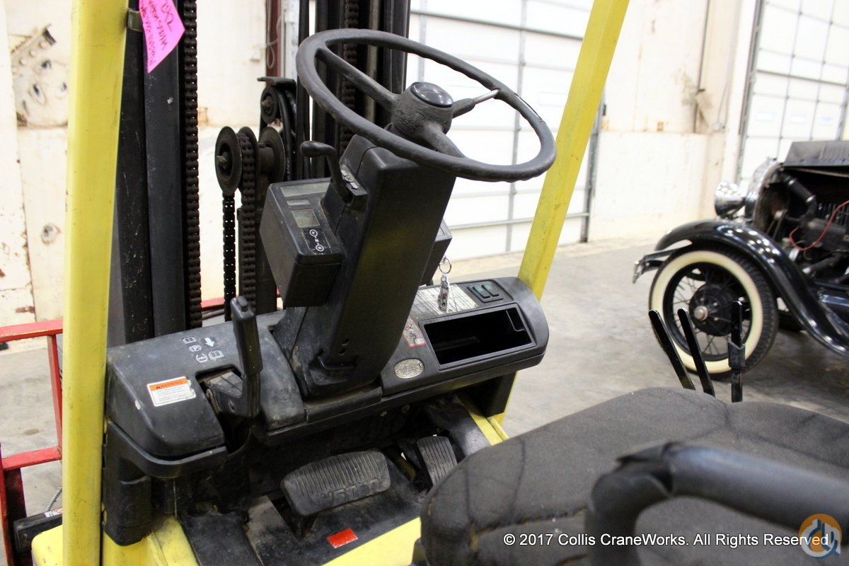 Used Hyster S50XM forklift Mast HYSTER S50XM CraneWorks Inc. 23850 on CraneNetwork.com