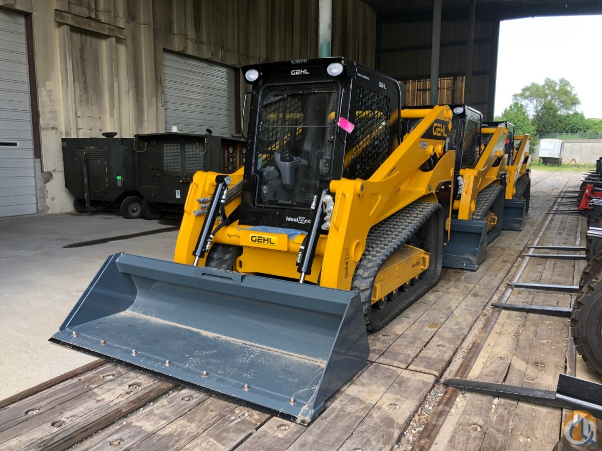 New Gehl VT320 vertical lift track loader Skid Steers GEHL VT320 CraneWorks Inc. 38922 on CraneNetwork.com