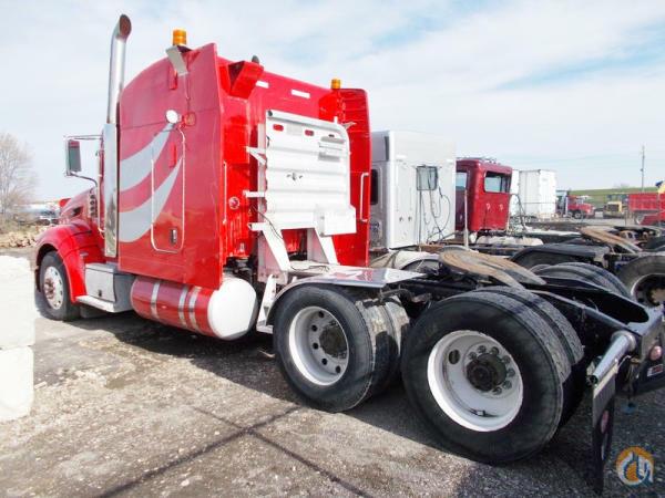 2012 PETERBILT 386 Semi Truck / Trailers PETERBILT 386