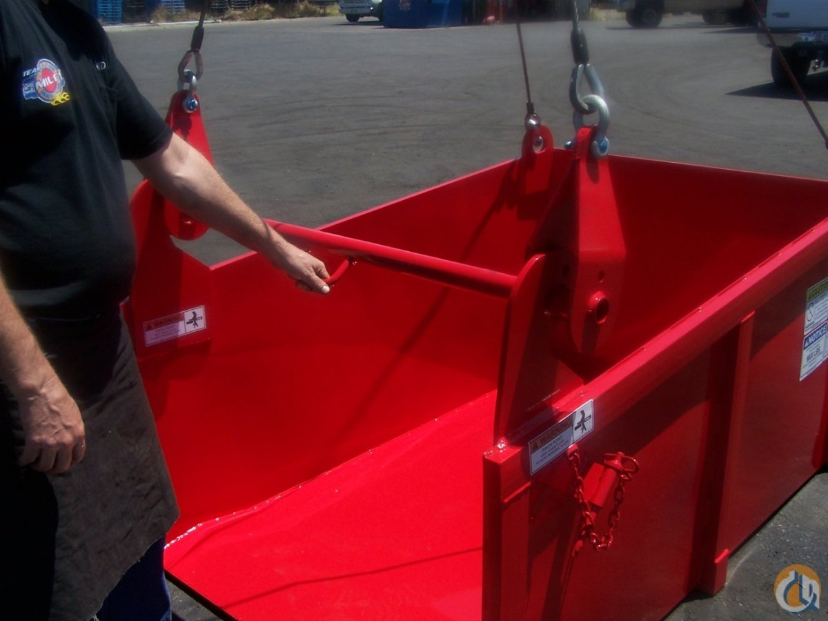 Smiley Work Baskets Self Dumping Refuse  Tear-Off Box for Demo and Construction Hydraulic Roofers Package Crane Part for Sale in Phoenix Arizona on CraneNetwork.com