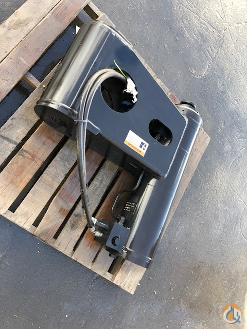 Manitowoc MANITOWOC Hydraulic Cylinder  810017760 Hydraulic Cylinders Crane Part for Sale in Belle Chasse Louisiana on CraneNetwork.com