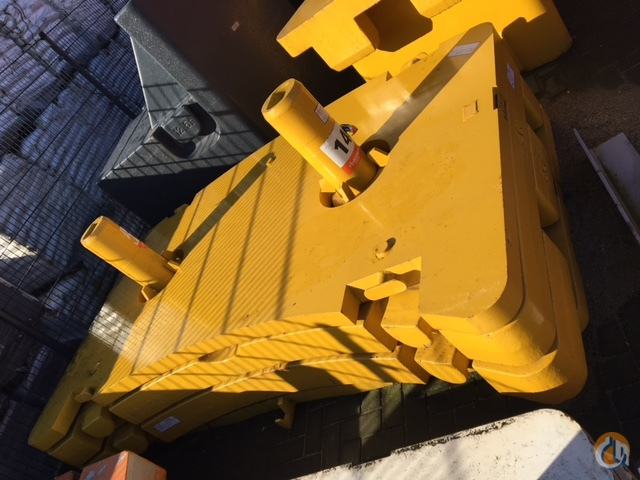 Grove Grove GMK 5165 Counterweights Counterweights Crane Part for Sale in Giessen North Brabant on CraneNetwork.com