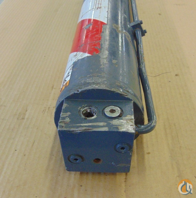 Unknown OUTRIGGER CYLINDER T157505 10637.0024Y.000 APPROX. STROKE 28 5 BORE 41 LENGTH 5 12 OUTSIDE DIAMETER Cylinders Crane Part for Sale in Coffeyville Kansas on CraneNetwork.com