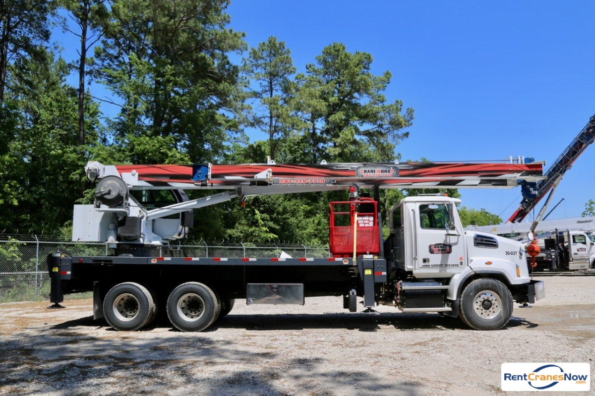 Manitex 30112S mounted to 2017 Western Star 4700SB chassis Crane for Rent in Houston Texas on CraneNetwork.com