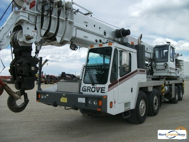 Grove TMS 900E Crane for Rent in Madison Wisconsin on CraneNetwork.com