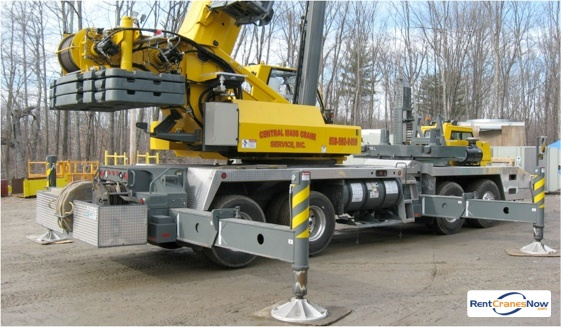90-Ton Grove TMS9000E Crane for Rent in Leicester Massachusetts on CraneNetwork.com